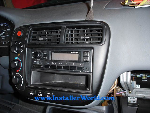 removing auto radio 2000 honda odyssey 1tx0 1999 01 02. Black Bedroom Furniture Sets. Home Design Ideas